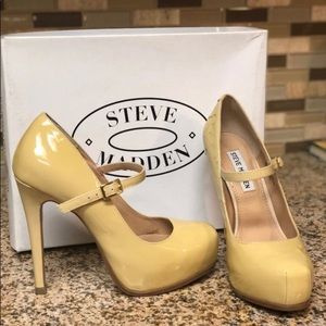 Barely used Steve Madden shoes size 6